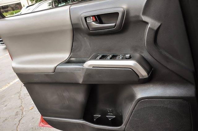 Used 2017 Toyota Tacoma SR5   Chamblee, GA