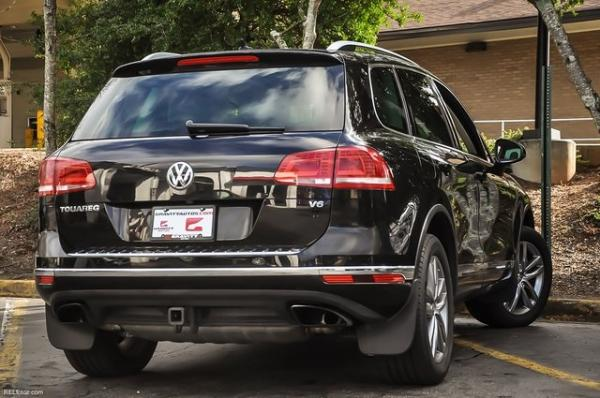 Used 2016 Volkswagen Touareg VR6 FSI for sale $19,500 at Gravity Autos in Roswell GA 30076 4