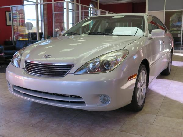 Used 2005 Lexus ES 330 for sale Sold at Gravity Autos in Roswell GA 30076 3