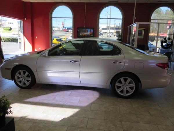 Used 2005 Lexus ES 330 for sale Sold at Gravity Autos in Roswell GA 30076 4