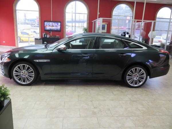 Used 2012 Jaguar XJ Supercharged for sale Sold at Gravity Autos in Roswell GA 30076 4