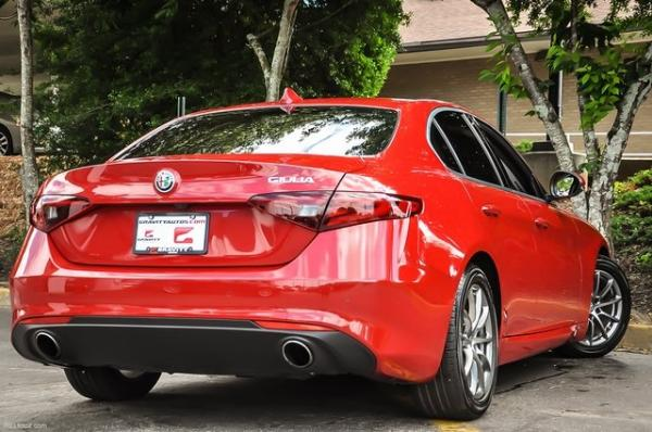 Used 2018 Alfa Romeo Giulia for sale Sold at Gravity Autos in Roswell GA 30076 4