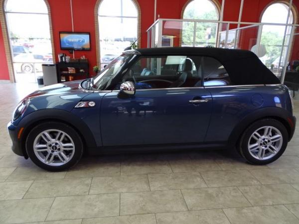 Used 2011 MINI Cooper Convertible s for sale Sold at Gravity Autos in Roswell GA 30076 4