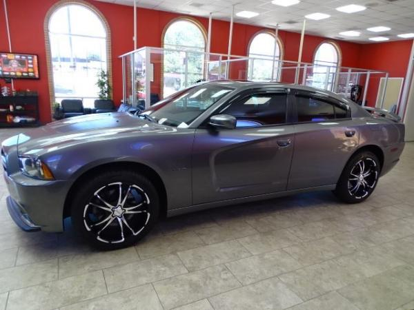Used 2011 Dodge Charger RT for sale Sold at Gravity Autos in Roswell GA 30076 4