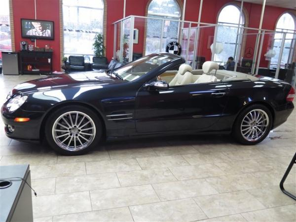 Used 2008 Mercedes-Benz SL-Class V8 for sale Sold at Gravity Autos in Roswell GA 30076 4