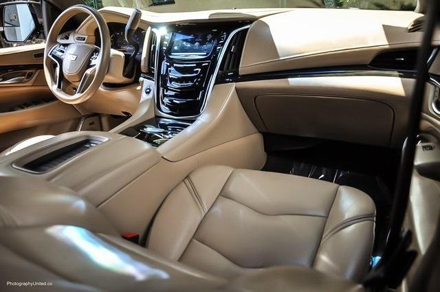Used 2018 Cadillac Escalade Platinum Edition for sale Sold at Gravity Autos Atlanta in Chamblee GA 30341 8