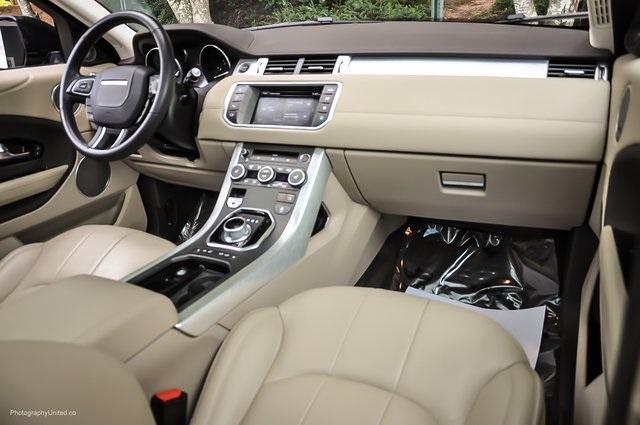 Used 2016 Land Rover Range Rover Evoque SE Premium for sale Sold at Gravity Autos Atlanta in Chamblee GA 30341 8