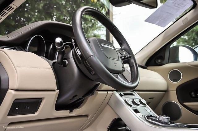 Used 2016 Land Rover Range Rover Evoque SE Premium for sale Sold at Gravity Autos Atlanta in Chamblee GA 30341 9