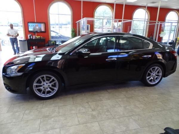 Used 2010 Nissan Maxima 3.5 SV w/Premium Pkg for sale Sold at Gravity Autos in Roswell GA 30076 4