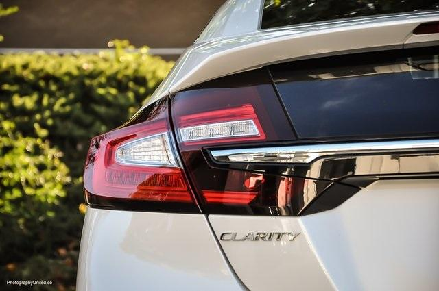 Used 2018 Honda Clarity Plug-In Hybrid for sale Sold at Gravity Autos Atlanta in Chamblee GA 30341 6