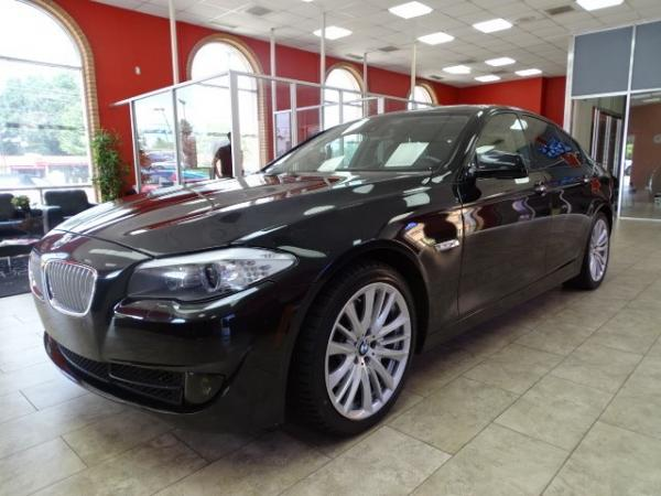 Used 2011 BMW 5 Series 550i for sale Sold at Gravity Autos in Roswell GA 30076 3