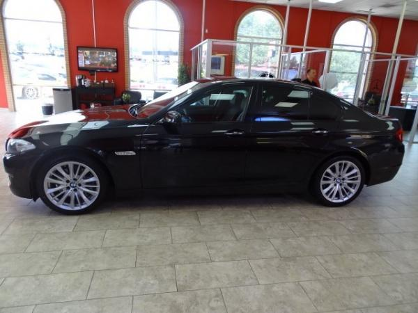 Used 2011 BMW 5 Series 550i for sale Sold at Gravity Autos in Roswell GA 30076 4