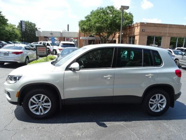 Used 2013 Volkswagen Tiguan S w/Sunroof for sale Sold at Gravity Autos in Roswell GA 30076 4
