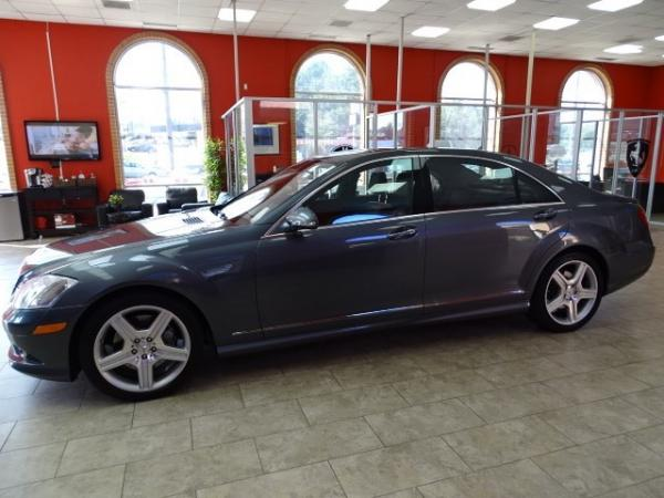 Used 2009 Mercedes-Benz S-Class 5.5L V8 for sale Sold at Gravity Autos in Roswell GA 30076 4
