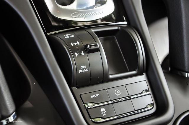 Used 2018 Porsche Cayenne Platinum Edition for sale $47,900 at Gravity Autos Atlanta in Chamblee GA 30341 13