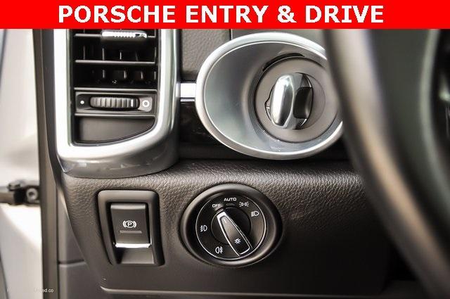 Used 2018 Porsche Cayenne Platinum Edition for sale $47,900 at Gravity Autos Atlanta in Chamblee GA 30341 21