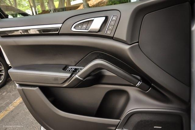 Used 2018 Porsche Cayenne Platinum Edition for sale $47,900 at Gravity Autos Atlanta in Chamblee GA 30341 22