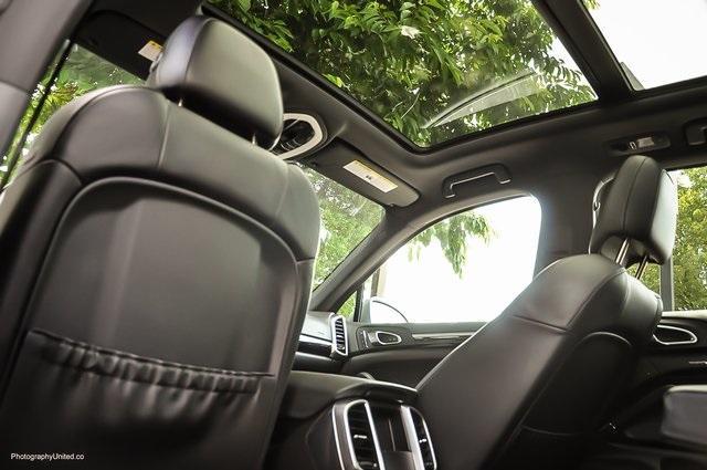 Used 2018 Porsche Cayenne Platinum Edition for sale $47,900 at Gravity Autos Atlanta in Chamblee GA 30341 27