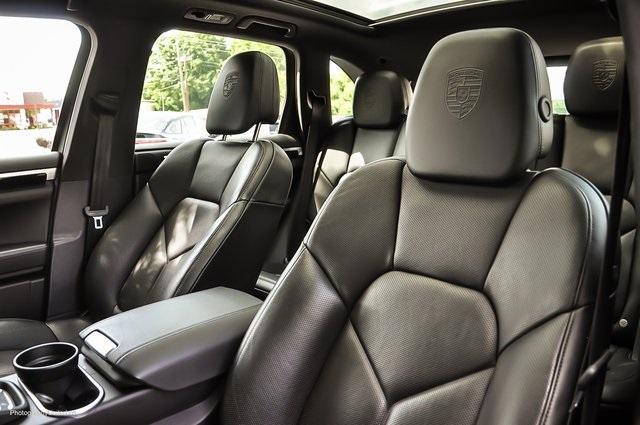 Used 2018 Porsche Cayenne Platinum Edition for sale $47,900 at Gravity Autos Atlanta in Chamblee GA 30341 9
