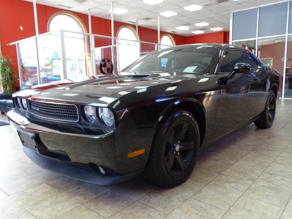 Used 2009 Dodge Challenger SE for sale Sold at Gravity Autos in Roswell GA 30076 3