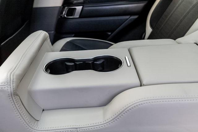 Used 2018 Land Rover Range Rover Sport HSE Dynamic for sale Sold at Gravity Autos Atlanta in Chamblee GA 30341 36