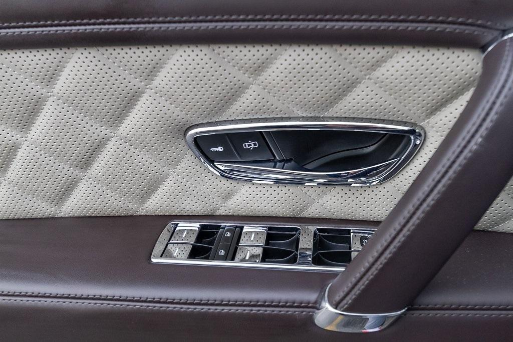 Used 2018 Bentley Flying Spur W12 for sale $149,995 at Gravity Autos Atlanta in Chamblee GA 30341 33