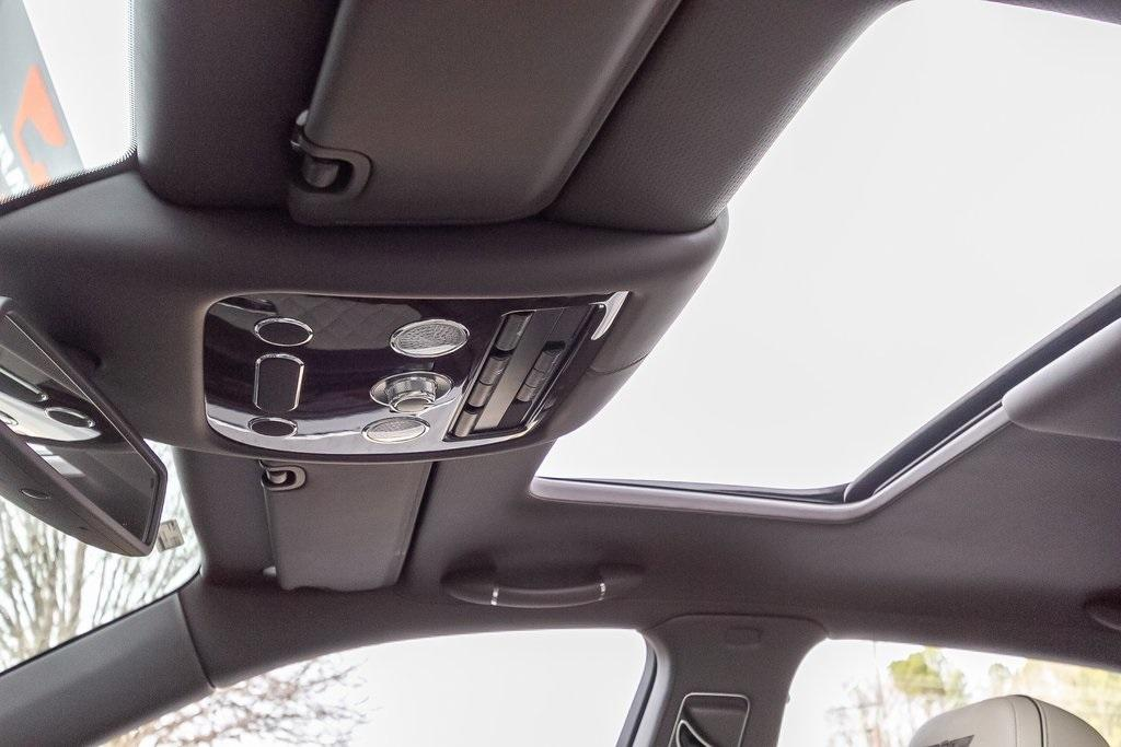 Used 2018 Bentley Flying Spur W12 for sale $149,995 at Gravity Autos Atlanta in Chamblee GA 30341 38