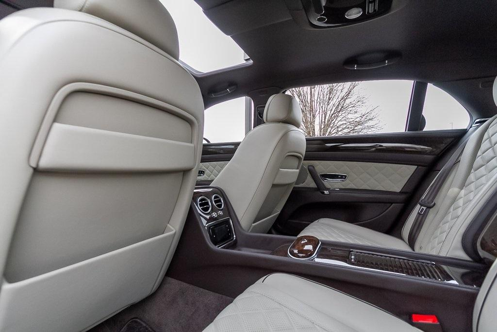 Used 2018 Bentley Flying Spur W12 for sale $149,995 at Gravity Autos Atlanta in Chamblee GA 30341 39