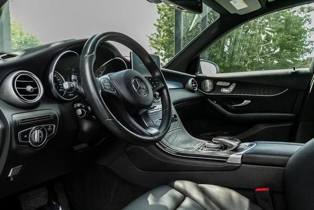Used 2018 Mercedes-Benz GLC GLC 300 for sale $33,995 at Gravity Autos Atlanta in Chamblee GA 30341 7