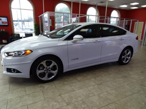 Used 2013 Ford Fusion SE Hybrid for sale Sold at Gravity Autos in Roswell GA 30076 4