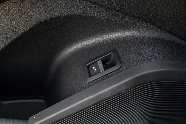 Used 2018 Audi SQ5 3.0T Prestige for sale $43,499 at Gravity Autos Atlanta in Chamblee GA 30341 37