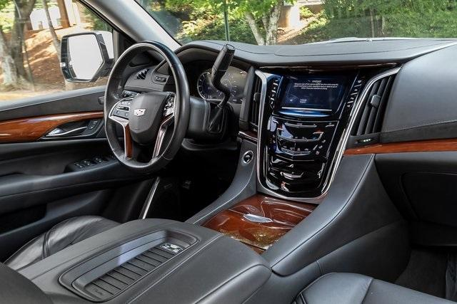 Used 2019 Cadillac Escalade Luxury for sale $61,099 at Gravity Autos Atlanta in Chamblee GA 30341 6