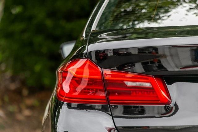 Used 2018 BMW 5 Series 530i for sale $34,295 at Gravity Autos Atlanta in Chamblee GA 30341 41