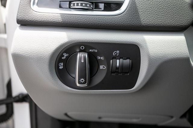 Used 2018 Audi Q3 2.0T Premium Plus for sale $29,795 at Gravity Autos Atlanta in Chamblee GA 30341 14