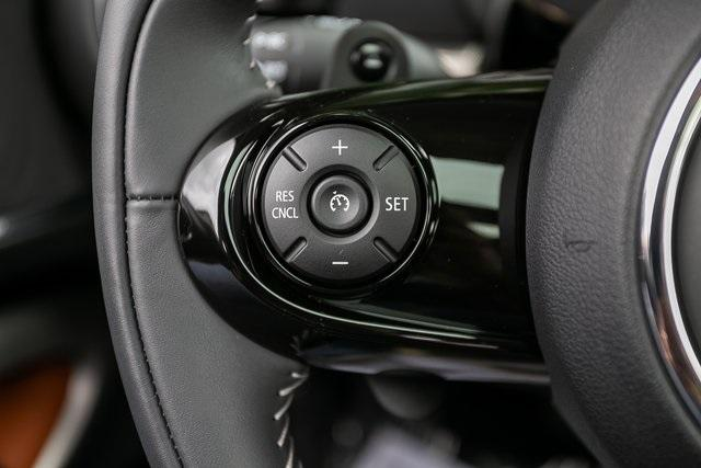 Used 2021 MINI Cooper S Clubman Iconic for sale Sold at Gravity Autos Atlanta in Chamblee GA 30341 10