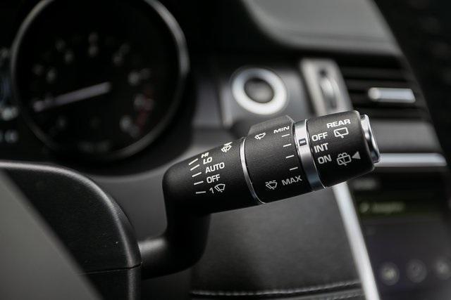 Used 2018 Land Rover Range Rover Evoque SE Premium for sale $35,928 at Gravity Autos Atlanta in Chamblee GA 30341 12