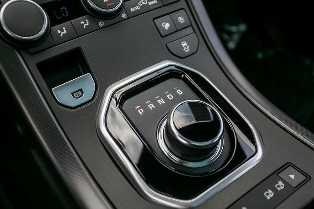 Used 2018 Land Rover Range Rover Evoque SE Premium for sale $35,928 at Gravity Autos Atlanta in Chamblee GA 30341 19