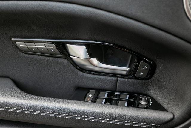Used 2018 Land Rover Range Rover Evoque SE Premium for sale $35,928 at Gravity Autos Atlanta in Chamblee GA 30341 25