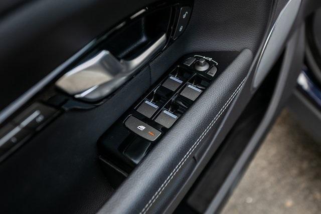 Used 2018 Land Rover Range Rover Evoque SE Premium for sale $35,928 at Gravity Autos Atlanta in Chamblee GA 30341 26