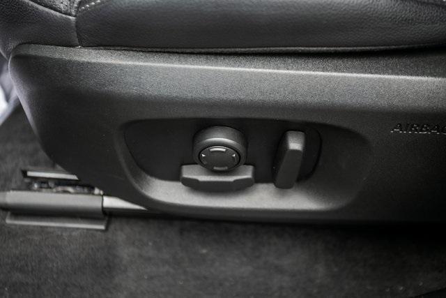 Used 2018 Land Rover Range Rover Evoque SE Premium for sale $35,928 at Gravity Autos Atlanta in Chamblee GA 30341 31