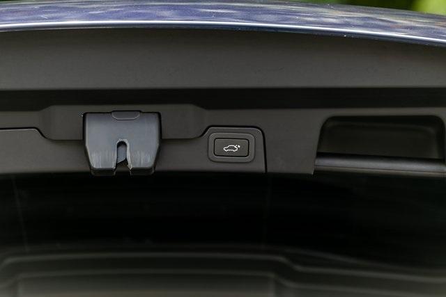 Used 2018 Land Rover Range Rover Evoque SE Premium for sale $35,928 at Gravity Autos Atlanta in Chamblee GA 30341 43