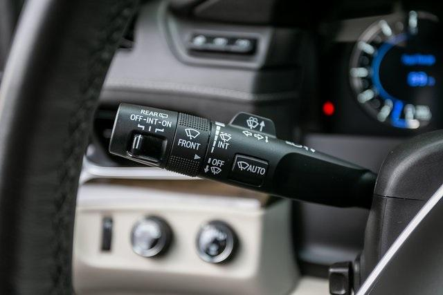 Used 2019 Cadillac Escalade ESV Premium for sale $69,495 at Gravity Autos Atlanta in Chamblee GA 30341 12