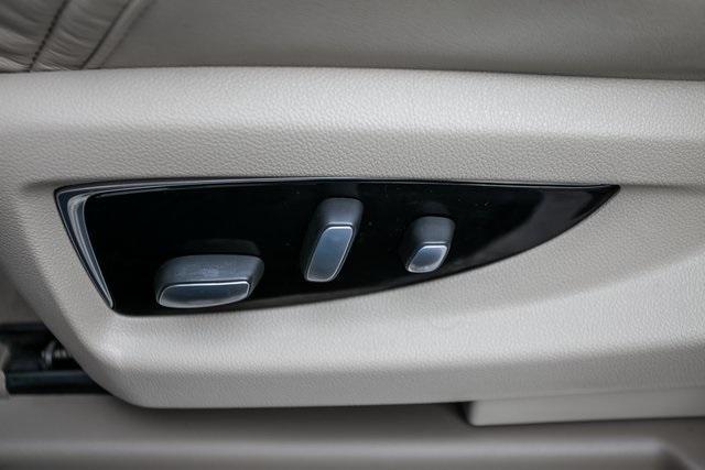 Used 2019 Cadillac Escalade ESV Premium for sale $69,495 at Gravity Autos Atlanta in Chamblee GA 30341 28