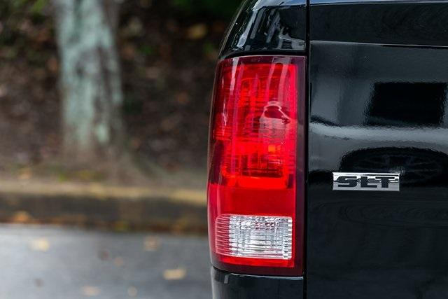 Used 2021 Ram 1500 Classic SLT for sale $38,995 at Gravity Autos Atlanta in Chamblee GA 30341 32