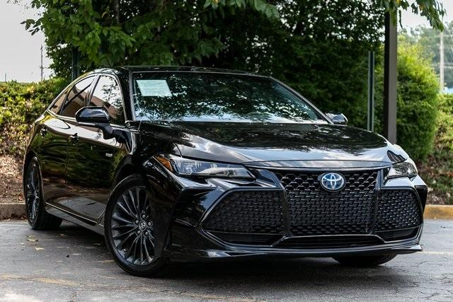 Used 2019 Toyota Avalon Hybrid XSE for sale $28,995 at Gravity Autos Atlanta in Chamblee GA 30341 3