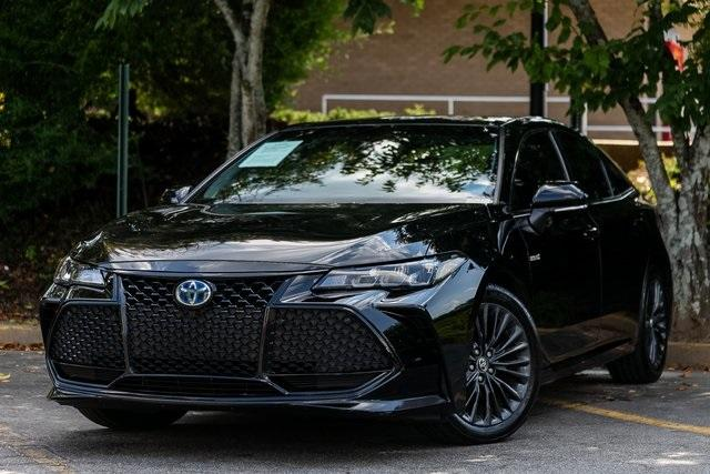 Used 2019 Toyota Avalon Hybrid XSE for sale $28,995 at Gravity Autos Atlanta in Chamblee GA 30341 1