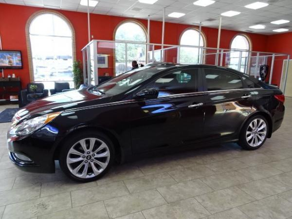 Used 2013 Hyundai Sonata SE for sale Sold at Gravity Autos in Roswell GA 30076 4
