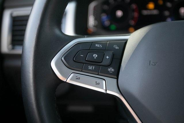 Used 2020 Volkswagen Atlas Cross Sport 3.6L V6 SEL for sale $43,495 at Gravity Autos Atlanta in Chamblee GA 30341 10