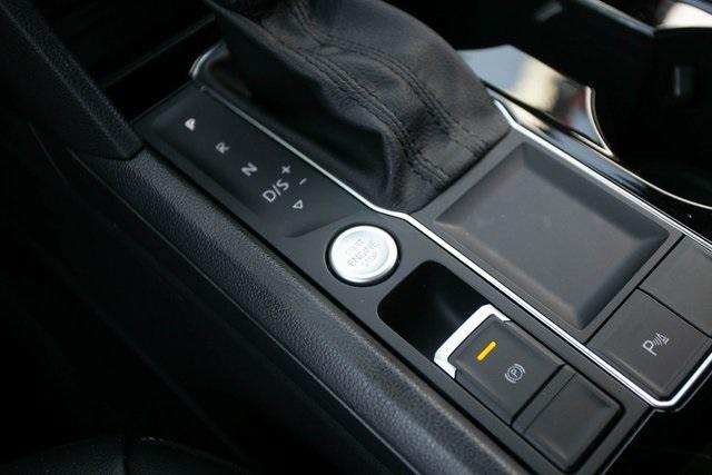 Used 2020 Volkswagen Atlas Cross Sport 3.6L V6 SEL for sale $43,495 at Gravity Autos Atlanta in Chamblee GA 30341 16