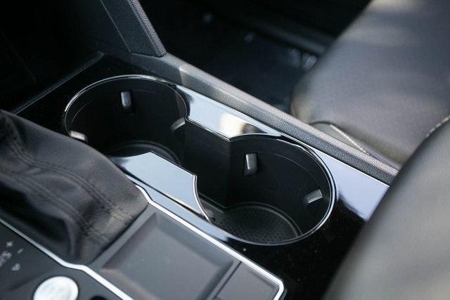 Used 2020 Volkswagen Atlas Cross Sport 3.6L V6 SEL for sale $43,495 at Gravity Autos Atlanta in Chamblee GA 30341 19